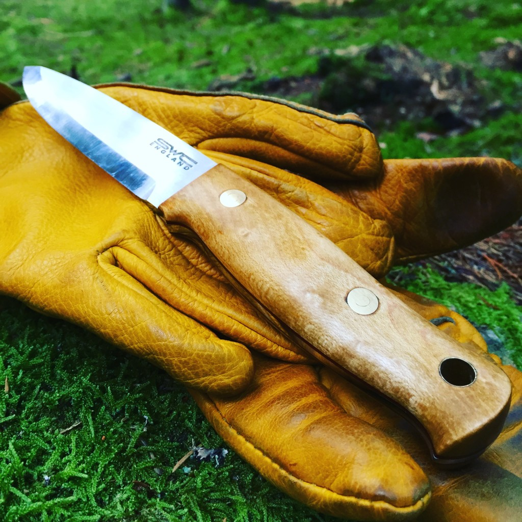 SWC knife on hestra gloves